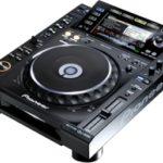 La platine DJ Pioneer CDJ 2000, un lecteur CD multi-formats