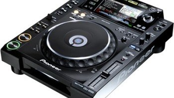Zoom DJ: Pioneer CDJ 2000, le lecteur CD multi-formats
