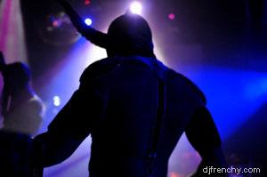nom de scene DJ. DJ on stage, Dancefloor