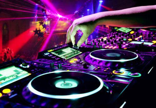 Officiellement, votre DJ s'appelle désormais un PLATINISTE !