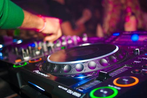 streaming et clubbing DJ