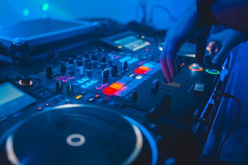 Les meilleures boites de nuit et discothèques, Top DJ