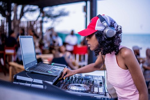 femmes DJ